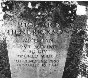 R Hendrickson grave 001