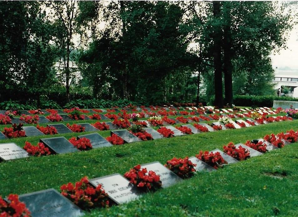 Alavus war memorial cemetery 001