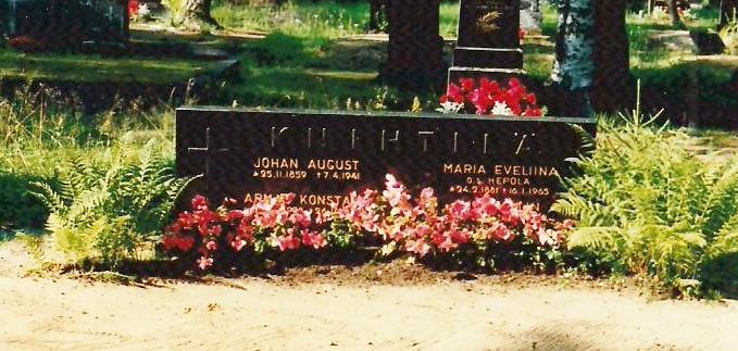John August grave 001